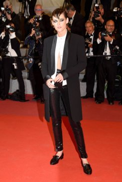 Kristen-Stewart-Wearing-Loafers-Cannes-Film-Festival-2018