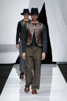 1529338643161508-Giorgio-Armani-Menswear-SS19_-01