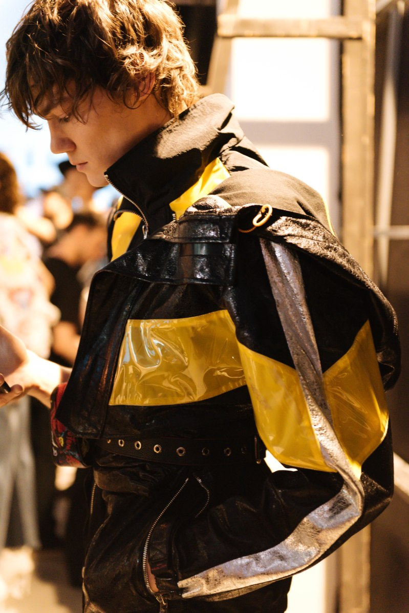 Wolf Totem SS19