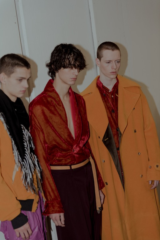Bed i.w. Ford FW19 backstage