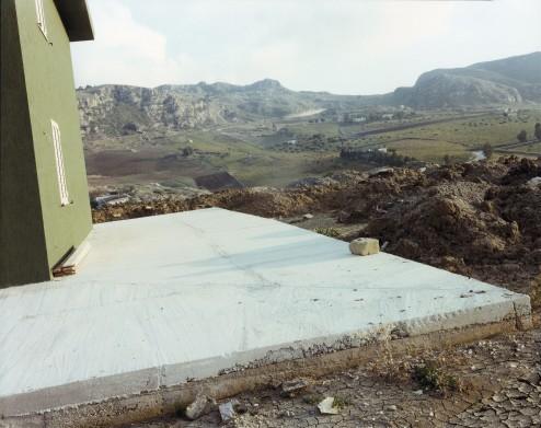 Guido Guidi, Gibellina, 1989, stampa a contatto, cm 20x25, © Guido Guidi, courtesy Viasaterna