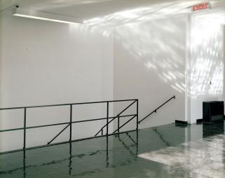 Guido Guidi, ITT Perlstein Hall, Chicago 1999, stampa a contatto, cm 20x25, © Guido Guidi, courtesy Viasaterna