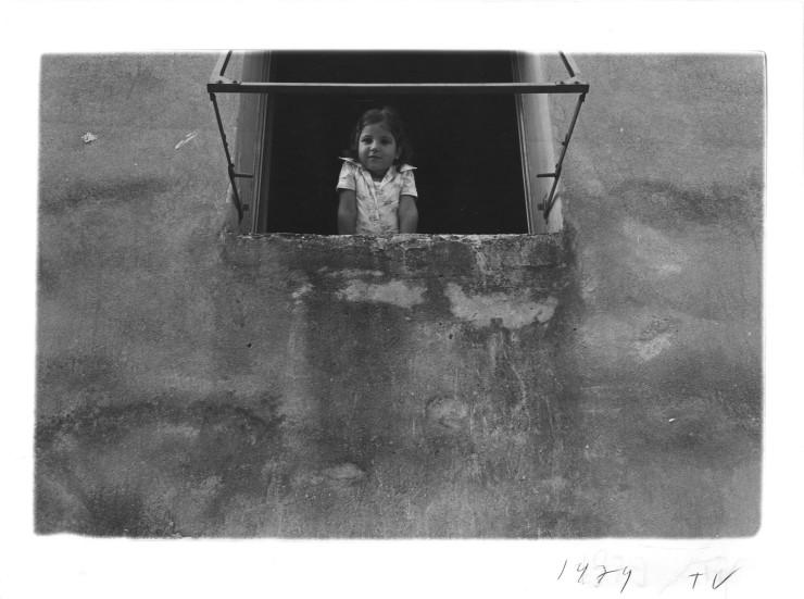 Guido Guidi, Per Anna 02, 1979, stampa a contatto, cm 14x20, © Guido Guidi, courtesy Viasaterna
